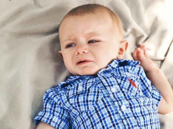 小孩哭鬧的時候你都怎麼做呢?哭鬧到底想要我們做什麼?跟著專家一起看看小孩哭鬧背後可能的原因吧!