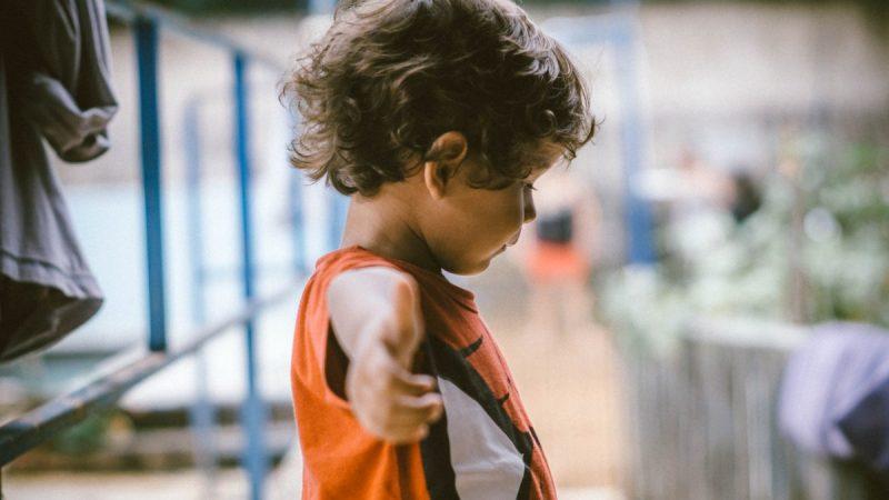 面對霸凌,教孩子要堅定而有同理心