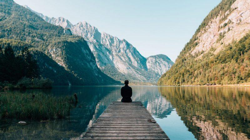我們無法免除壓力或焦慮,但我們能夠與之共處,好好感受這些感覺,並深呼吸,給自己空間覺察自己的狀態,並決定要怎麼反應