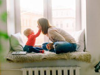 為什麼為孩子建立生活常規會帶來這麼多好處?不要小看每天在特定的時候吃點心、用餐、刷牙、念一本故事書、上床睡覺...這樣的生活常規會為孩子建立起一種安全感,讓他能夠預期今天這一天接下來會發生什麼事。